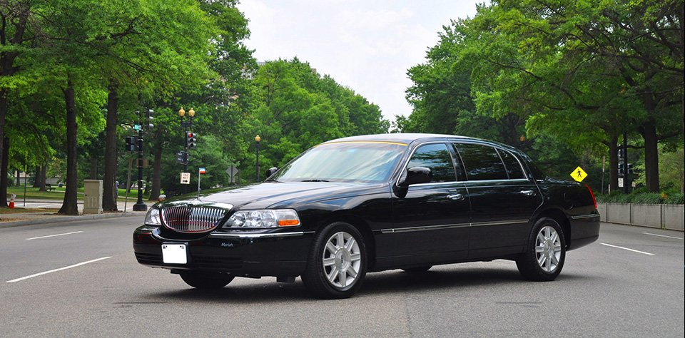 Illegal Airport Cabs Under Fire in New York